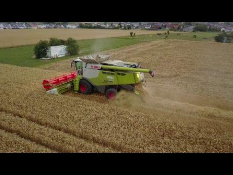 Reality farming battage blé drone