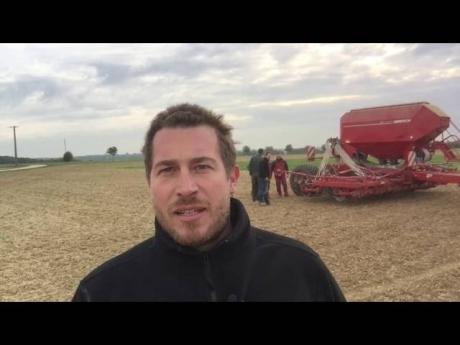 Semis de blé avec un horsch avatar pour un essai arvalis