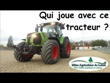 Qui joue avec ce tracteur ?